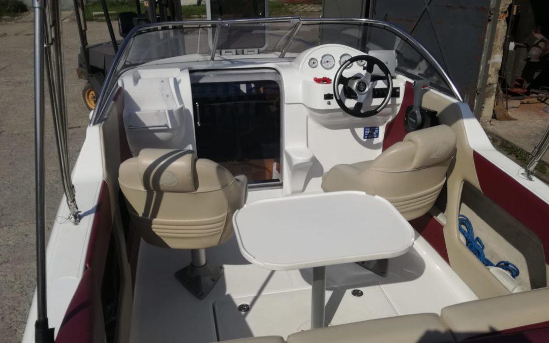 Motorový čln Cortina 555